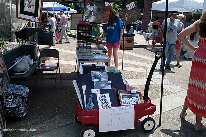 outdoor art sale with artists of all mediums in Evansville, IN